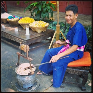 Thai silk weaving, Jim Thompson House and Museum